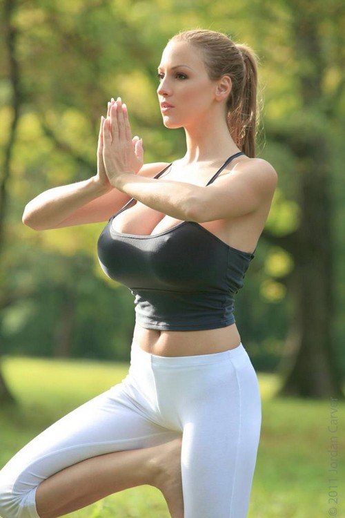 Hot Babes In Yoga